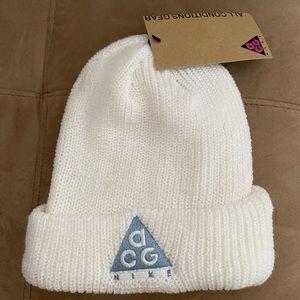 Nike ACG Beanie AV4775 121 White Silver Hat Knit